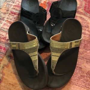 Fit Flops Patent black and tribal Brown  *2 pairs*